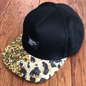 Stussy snap back animal print baseball cap
